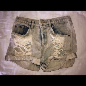 Carmar light blue denim shorts.